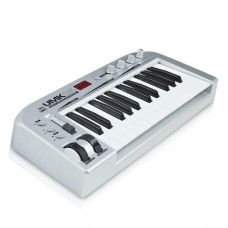 ASHTON UMK25 25 KEY USB / MIDI KEYBOARD CONTROLLER (opend piece)